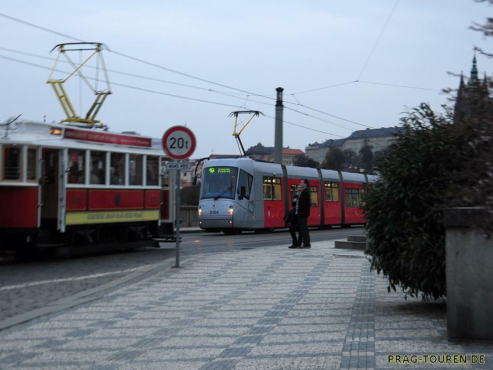 Rundfahrt mit der historischen Strassenbahn in Prag